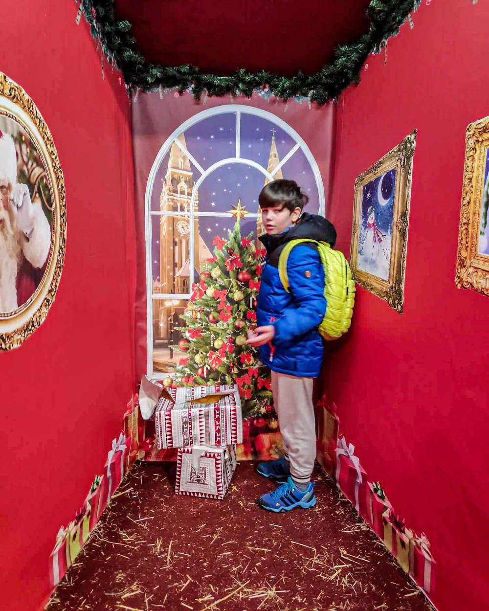 Božično slikanje u Zamku iz bajke u Segedinu