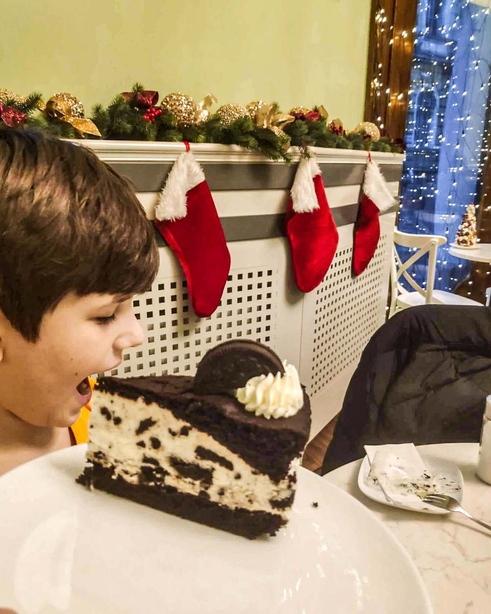 Jedemo oreo tortu u poslastičarnici Reok palate u Segedinu