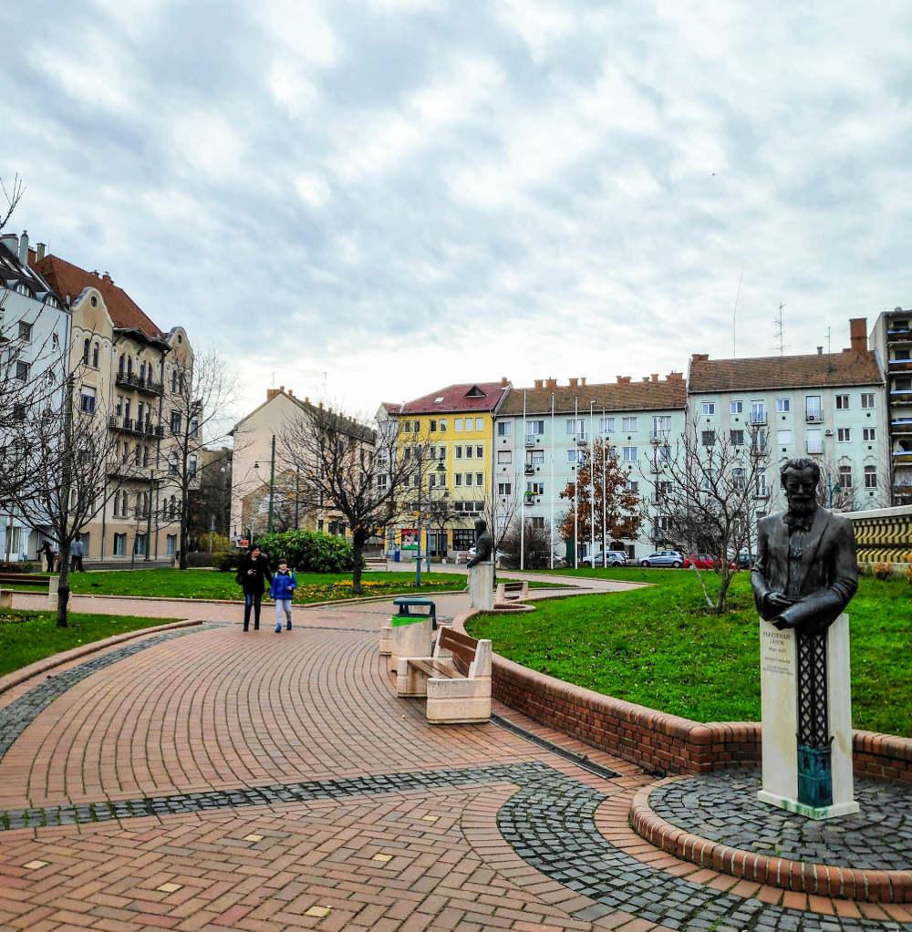 Trg Svetog Ištvana ispred vodotornja u Segedinu