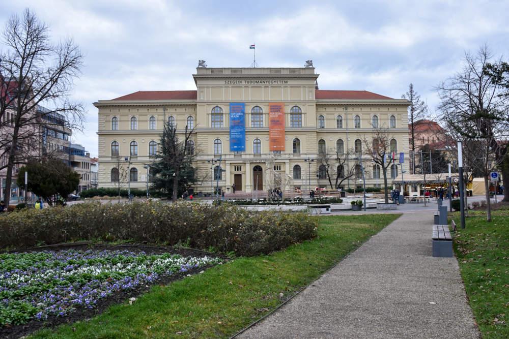 Zgrada segedinskog univerziteta na Trgu Dugonič